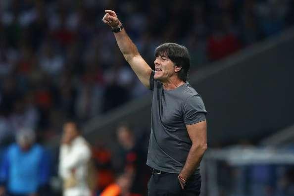 Joachim Low tuyên bố Ozil sẽ không thể trở lại đội tuyển Đức