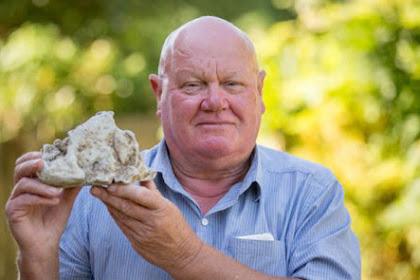 Ditemukan di Pantai, 'Batu' Ini Bernilai Rp1,3 Miliar