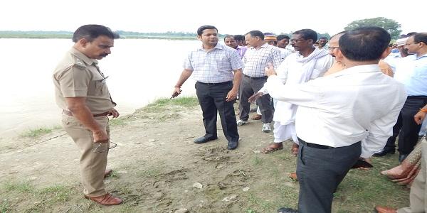 baadh-prabhabhit-gauono-kegramvasio-ko-har-sambhav-madad-di-jaye-jilaadhikari