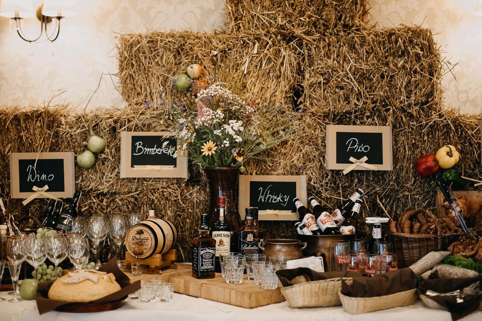 wino przyjęcie weselne
