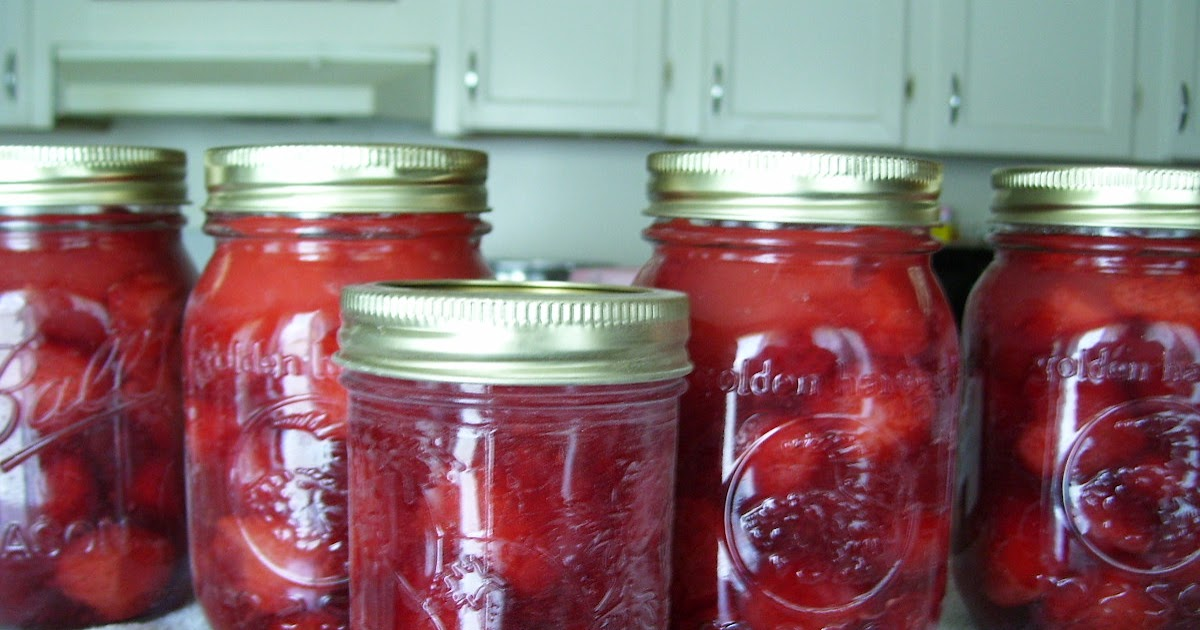 How to Make Strawberry Pie Filling - Getting Off The Grid
