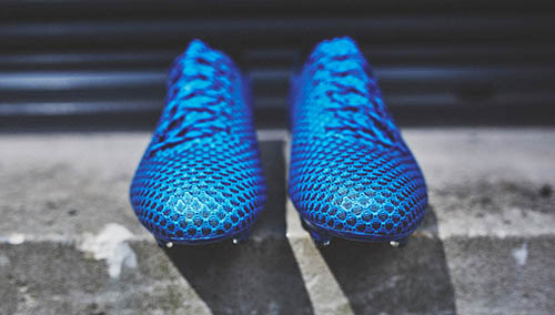 New-Speed-Adidas-Messi-16.1-with-Shock-Blue-Part-of-Light-Boots-3