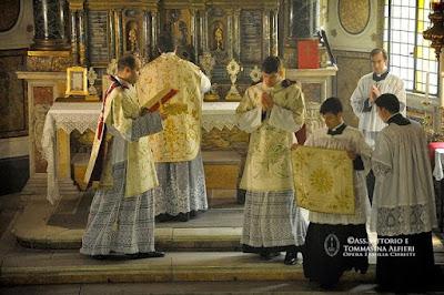 Image result for Fraternità Sacerdotale Familia Christi Photo