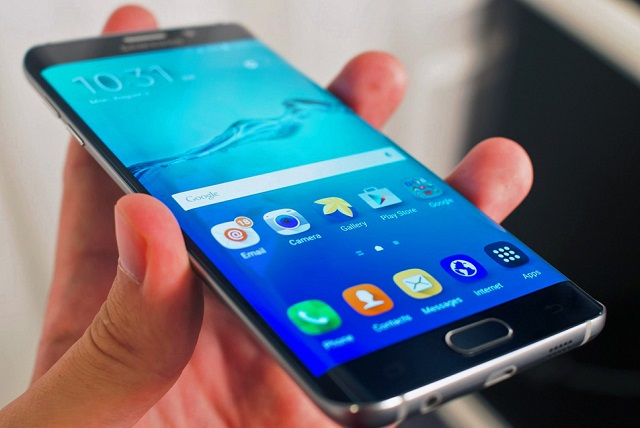 Thay mặt kính Samsung Galaxy S6, S6 Edge hoặc thay màn hình Samsung Galaxy S6 Edge tại Maxmobile để nhận được uy tín đảm bảo tuyệt đối và giá thành tốt nhất