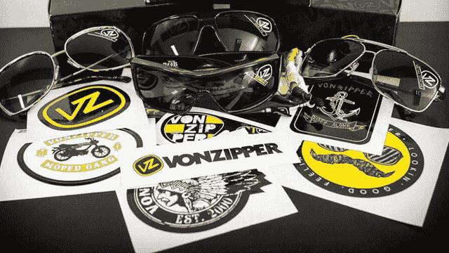 ملصقات مجانية من VonZipper تصلك مجانا الى بيتك