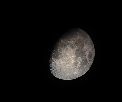 iPhone telescope moon photo