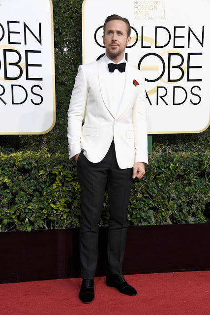 ryan gosling, gucci, golden globes, alfombra roja, red carpet, menswear, moda masculina, looks