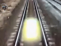 Entitas Bercahaya Terlihat Ikuti Kereta Rusia
