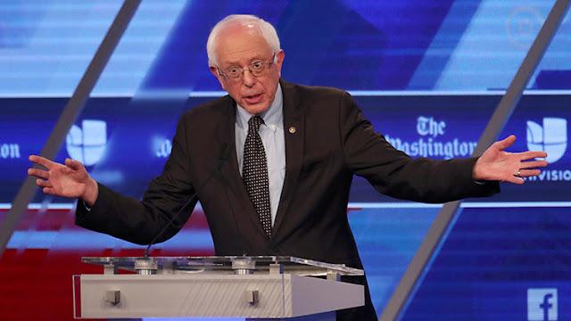 """""""No venda su alma"""": Sanders se enfrenta a la indignación de sus partidarios tras unirse a Clinton"""