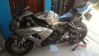 BUKALAPAK MOGE BEKAS : Forsale Honda CBR1000 - GRESIK