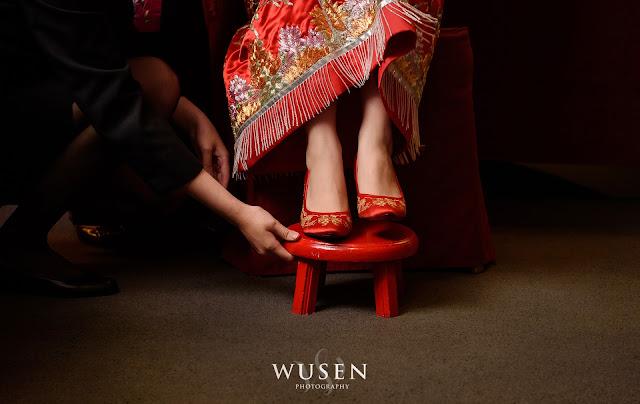 龍鳳褂造型, 繡花鞋