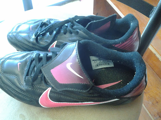 Nike tachon shoe for women's soccer