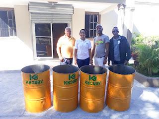 Khoury Industrial Dona Tanques para Basura de Escuelas y Funeraria de Cabral