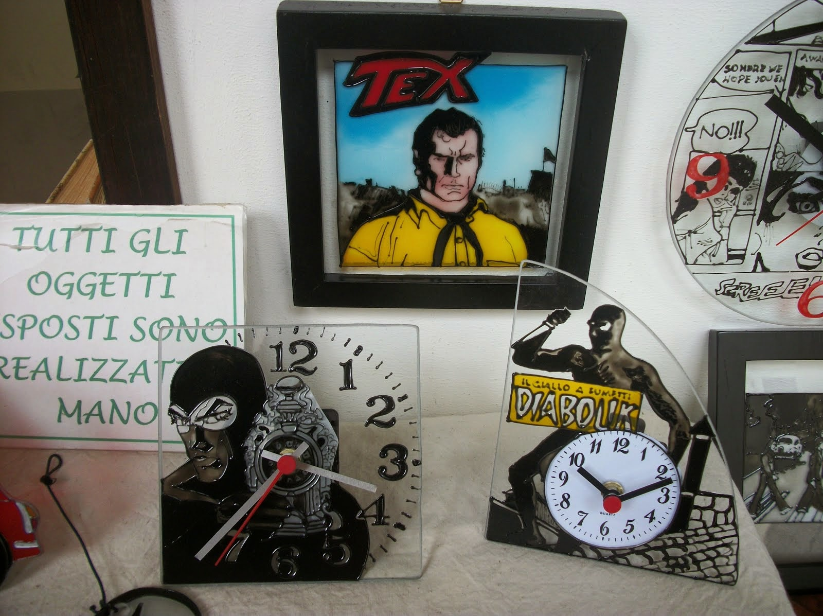 COMICS: OROLOGI E QUADRI - Comics: clocks and pictures