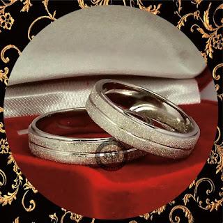 rekomendasi cincin emas terbaru  sanjewellery memproduksi cincinkawin tunangan   lamaran emas paladium dan platina dengan model custom desain  hadir di online market terbesar shoppe tokopedia bukalapak  san950 memberikan jaminan mutu kualitas bahan yang   telah disertifikasi oleh pihak yang berkompeten.