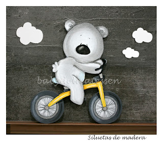 silueta infantil madera osito en bici babydelicatessen