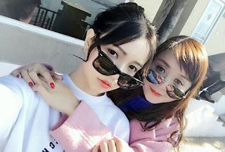 Foto Gadis Cantik bersama Sang Ibu