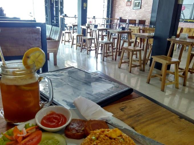 Alasan 'Anak Kamar' Main ke Kafe