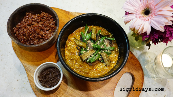 Farm to Table - Iloilo restaurant - kare-kare