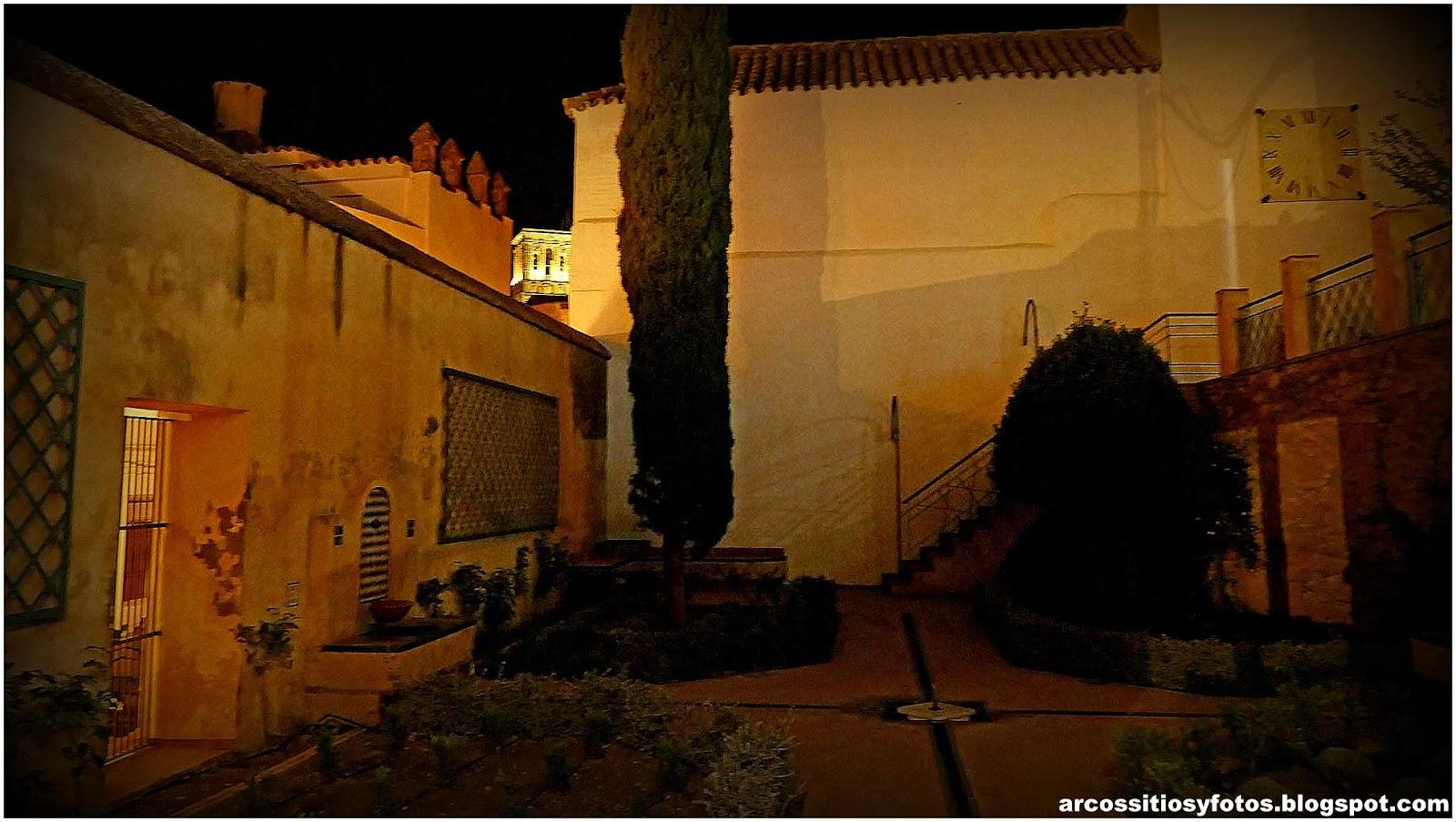 Arcos sitios y fotos jard n andalus nocturno en arcos for Jardin botanico bogota nocturno 2016