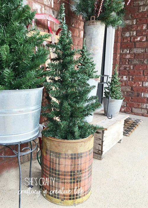 vintage plaid cooler, christmas tree, porch