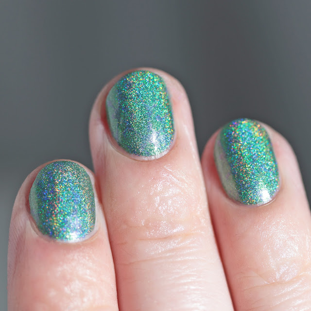 Moonflower Polish Lapislázuli (Lapis Lazuli) stamped over Esmeralda (Emerald)