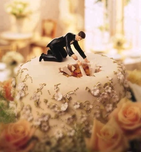 12 Ideas For Funny And Unexpected Wedding Cakes | Wedding Celebration