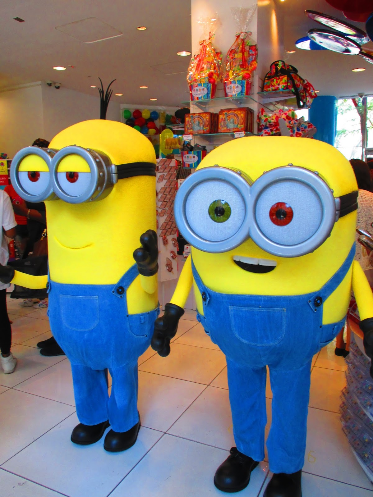 04fc2171d50 If you remember my post about meeting the minions at Dylan s Candy Bar
