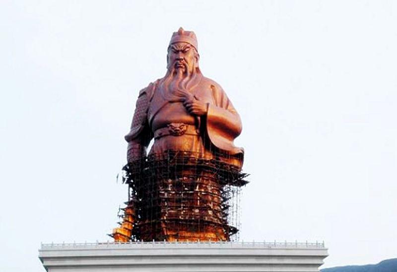 ภาพขณะก่อสร้าง เทพเจ้ากวนอู
