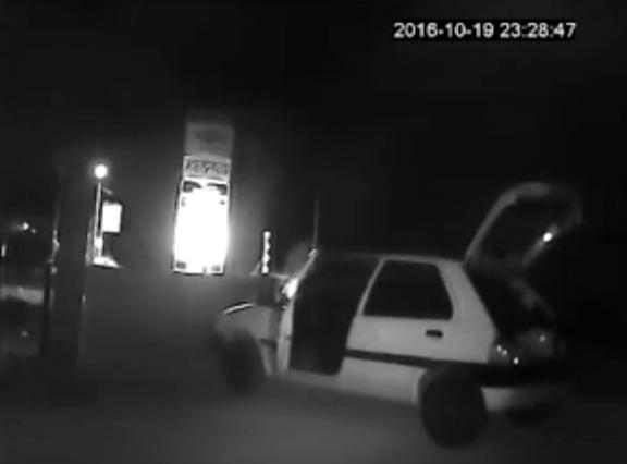 Κάμερα κατάγραψε κλοπή ξυλείας σε κατάστημα στο Άργος (βίντεο)