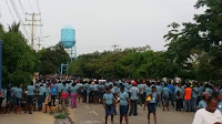Resultado de imagen para cientos de haitianos caminando por carreteras de Montecristi