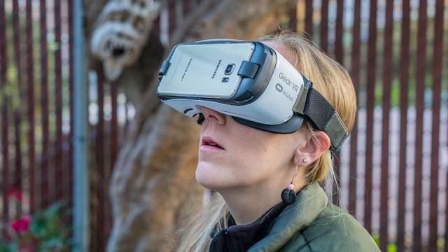 kinh-thuc-te-ao-Samsung-Gear-VR-1