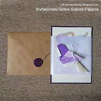 Diseñador tarjeta de boda en morado, suculentas helechos pajaros  y sellos de cera morado Guatemala
