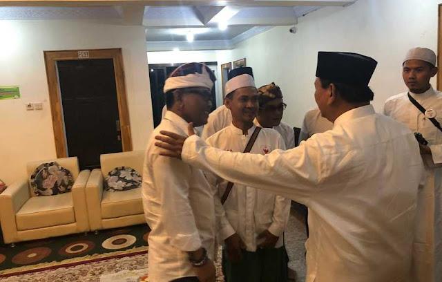 Di Ponpes Riyadlul Jannah, Prabowo Bertemu Kades Yang Dipenjara Karena Mendukungnya
