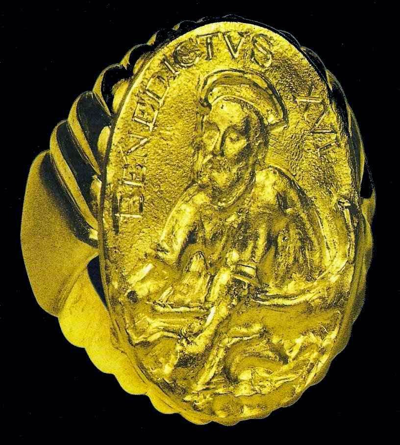 Anel do Pescador que foi de Bento XVI.