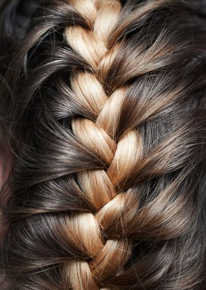 10fcb737a031d Sometimes it is nice to mix things up in a whole new way for hair styles