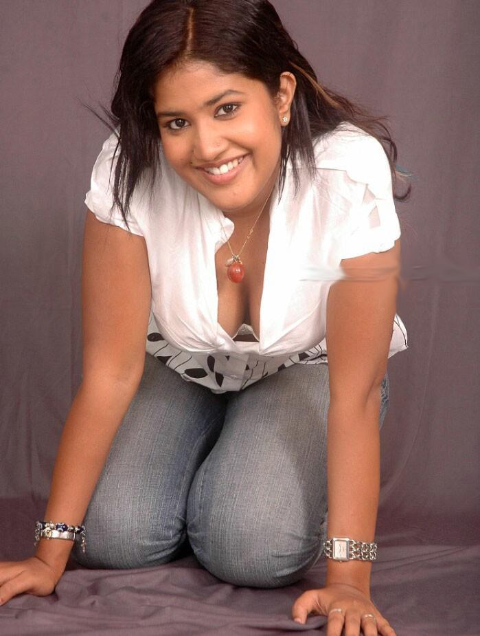 Busty Actress Photos 22
