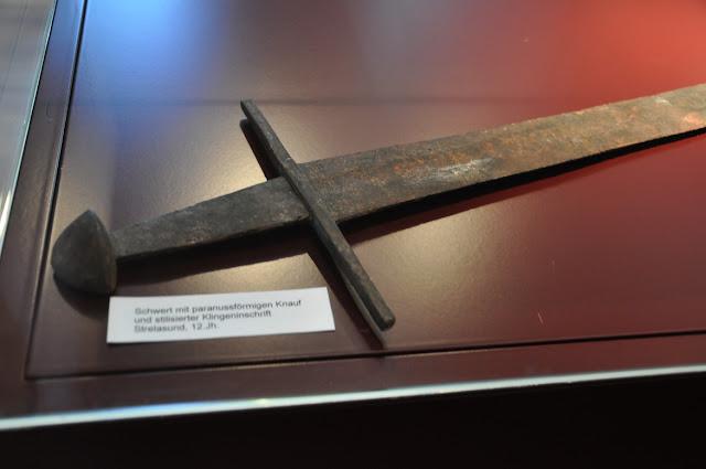 Berrgen auf Rugen - muzeum miejskie - miecz wczesnośredniowieczny