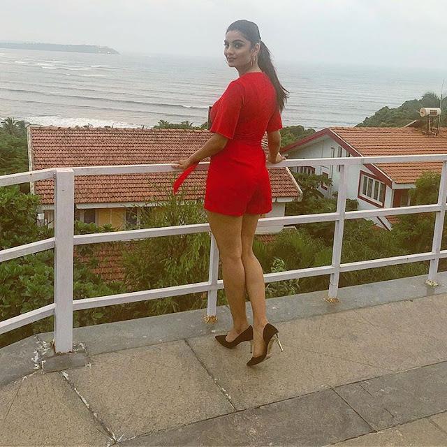Anveshi Jain Hot Photos   Gandi Baat Season 2 Actress Anveshi Jain Navel Queens
