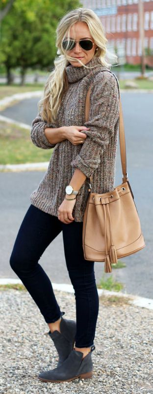 how to wear a sweater : bag + black skinnies + boots