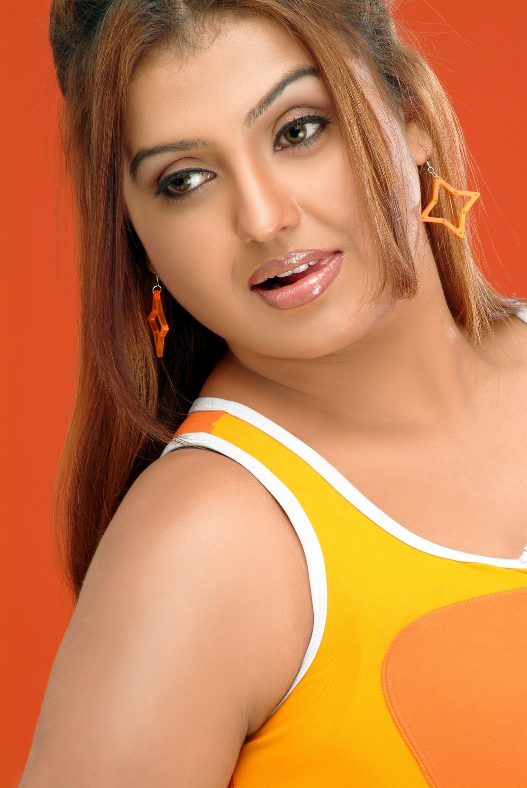Sona Hot Sexy cleavage, navel & thighs show hot stills
