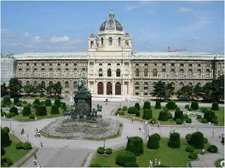 منحة لدراسة الماجستير بجامعة فيينا بالنمسا