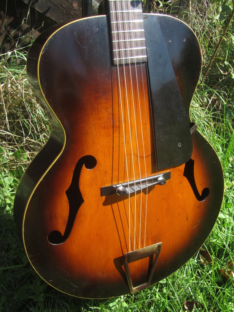 gibson made kalamazoo kg 22 archtop guitar. Black Bedroom Furniture Sets. Home Design Ideas