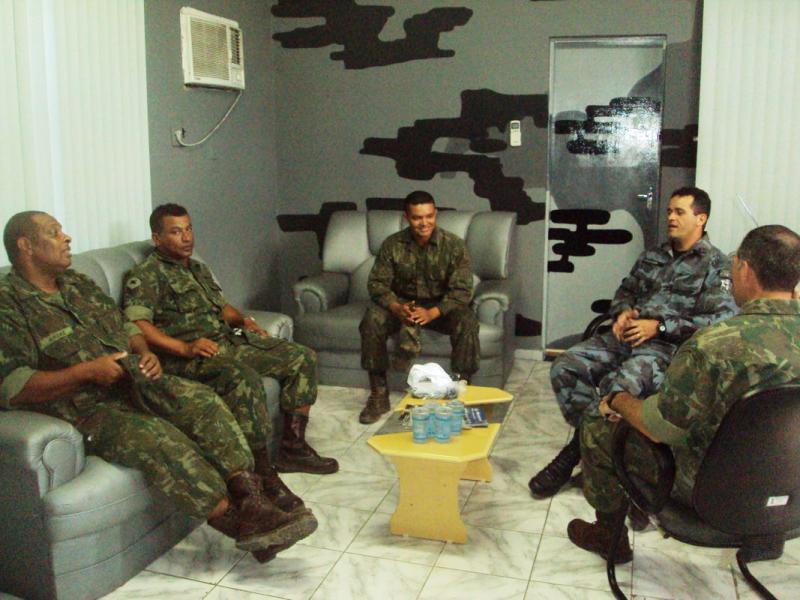 Resultado de imagem para fuzileiros nos presídios