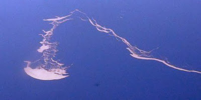 5 Pulau berbentuk aneh di bumi | DD-unik
