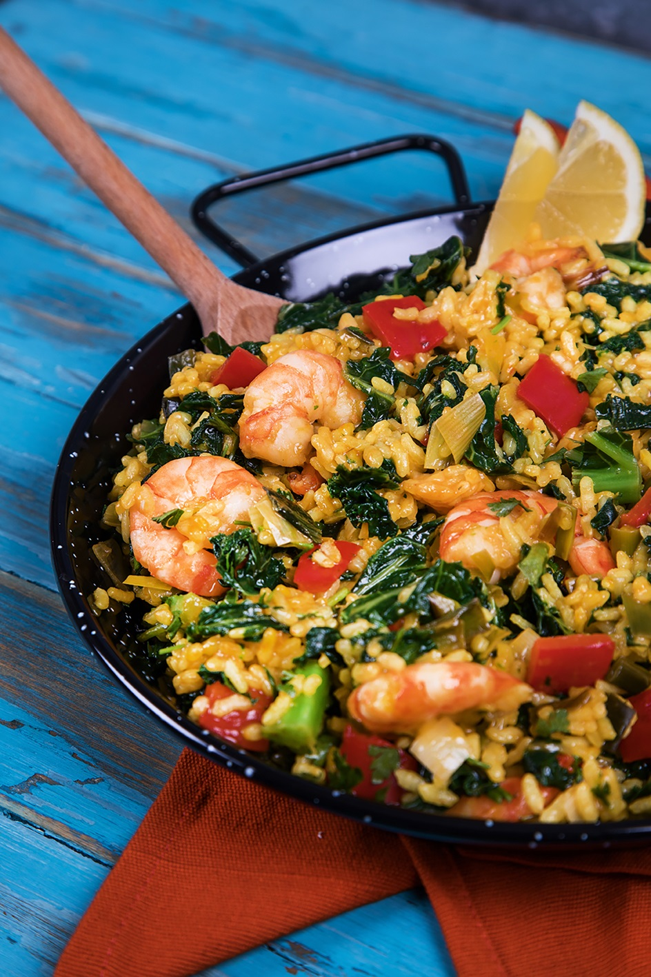 How To Make A Tasty Prawn And Kale Paella