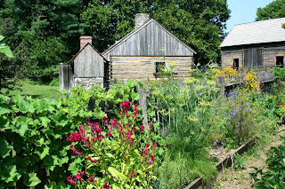 Log_Farm_at_Landis_Valley_August_2014