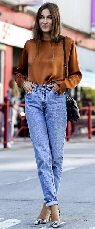 trendy outfit idea : brown blouse + bag + jeans + printed heels