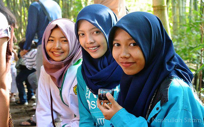 Para mahasiswi dari Poltekkes Kemenkes Semarang
