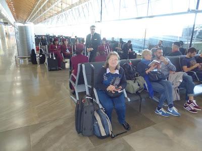 Tripulación de Qatar Airways,  La vuelta al mundo de Asun y Ricardo, vuelta al mundo, round the world, mundoporlibre.com